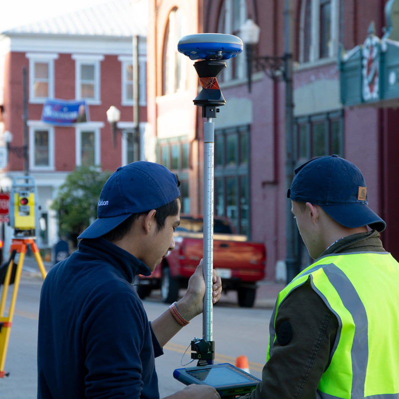 The new Carlson SurvCE/SurvPC Hybrid+ feature allows simultaneous interaction with GNSS and a Robotic Total Station, with the GNSS and prism both mounted on the survey pole.