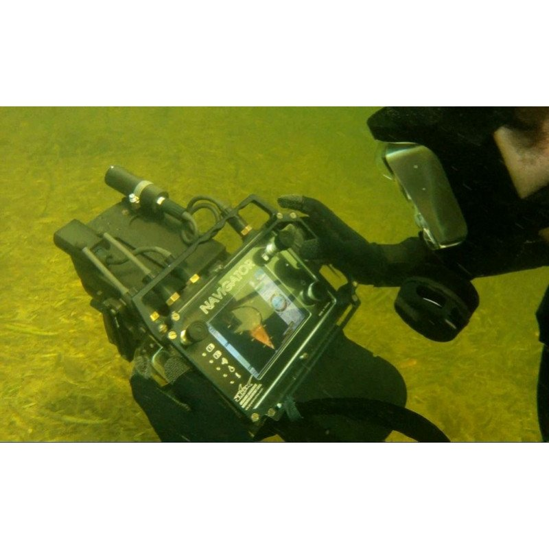 NAVIGATOR Diver Held Imaging Sonar and Navigation